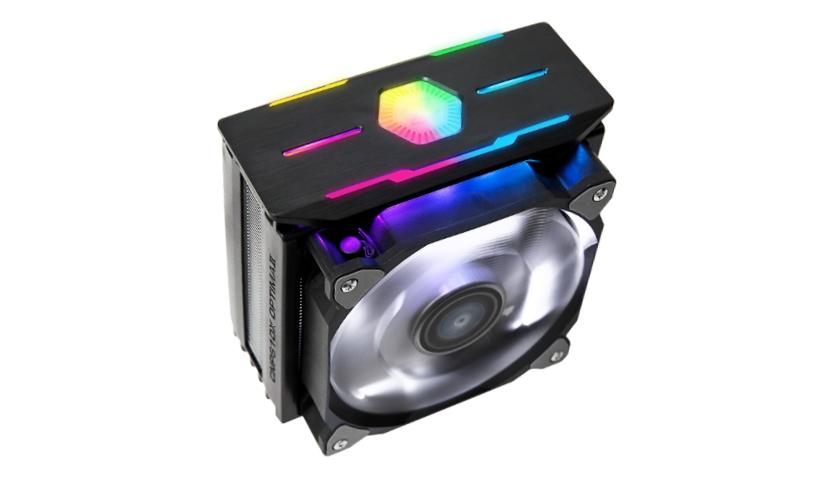 """Nová generace CPU chladičů Zalman CNPS10X Optima II v černém provedení je vybavena čtyřmi teplovodivými měděnými trubicemi pro přímý odvod tepla (DTH) a 120mm ventilátorem s patentovaným designem """"Dual Blade Fan"""". Chladič poskytuje maximální chladicí efekt až do 200 W TDP. Je kompatibilní s většinou procesorů Intel a AMD. Průtok vzduchu dosahuje hodnot 61 CFM i při velmi tichém provozu (27 dBA). Chladič je tedy při práci tišší, než ticho ve studovně knihovny (40 dBA) nebo pracovní ruch v kanceláří (70 dBA). Použitý ventilátor chlazení s efektním bílým Led podsvícením se vyznačuje velmi tichým chodem, pouhých 27 dBA. Regulace otáček je řízena automaticky pomocí funkce PWM. Design chladiče a jeho architektura vznikly v ústředí firmy Zalman v jižní Koreji. Originální řešení ventilátoru """"Dual Blade Fan"""" zdvojuje lopatky a je patentováno. Ventilátor vytváří dva vzduchové proudy, menší vnitřní a větší vnější, a jejich kombinace zvyšuje chladicí efekt a současně snižuje hlučnost. Hydraulická ložiska s vysokou životností zajišťují tichý a spolehlivý chod, na přední a zadní části chlazení jsou nainstalovány gumové tlumiče vibrací. Chladič se nově dodává kompletně v černém provedení s horní částí vybavenou atraktivním RGB Led podsvícením v režimu Spectrum. Nový chladič Zalman CNPS10x Optima II BLACK se snadno instaluje, je kompatibilní s většinou soketů Intel Gen. 9 i AMD Ryzen. Chladič Zalman CNPS10x Optima II BLACK bude k dostání prostřednictvím sítě internetových obchodů a specializovaných prodejen na podzim roku 2019. Technické údaje Zalman CNPS10x Optima II BLACK Použité materiály: hliník/měď Barva: Černá Otáčky ventilátoru: 800 - 1 500 rpm ± 10 % Regulace otáček: PWM Hluk: max. 27 dBA ± 10 % Průtok vzduchu: 61,52 CFM Typ ložiska: Hydraulické Hmotnost: 740 g Rozměry: 132 (D) × 85 (Š) × 160 (V) mm Kompatibilita: Intel 9. Gen: LGA2066/2011-V3/2011/115X/1366 CPU AMD RYZEN: AM4/AM3+/AM3/FM2+/FM2 CPU 120mm ventilátor s patentovaným designem """"Dual Blade Fan"""""""