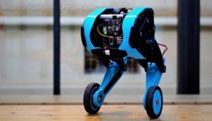 Doktorandi z FEL ČVUT budou učit robota skákat do schodů